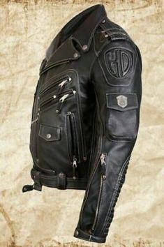 Outside 7 pockets inside 3 pockets. Inside Soft lining use to add more comfort. Biker Leather, Cowhide Leather, Real Leather, Suede Leather, Leather Men, Studded Jacket, Bomber Jacket Men, Mens Fashion, Rock Fashion