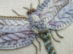 Embroidered dragonfly tutorial