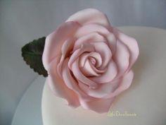 Sugar Rose - via @Craftsy