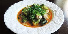 Fantastisk karrysuppe med lækre grøntsager, herlig kylling samt en cremet og let krydret suppe. Perfekt til efterårets lange aftener.