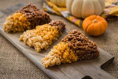 This healthy Halloween recipe is sure to fit in with your fun festivities! Vegan candy corn rice crispy treats are the perfect healthy sweet treat.