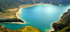 9 isole color smeraldo nel cuore dell'oceano Atlantico: le Azzorre! http://www.evolutiontravelitalia.it/press/2014/03/06/9-isole-color-smeraldo-nel-cuore-delloceano-atlantico-le-azzorre/