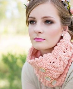 Sweetheart Cowl by Pam Powers - knit with Spud & Chloe Outer yarn