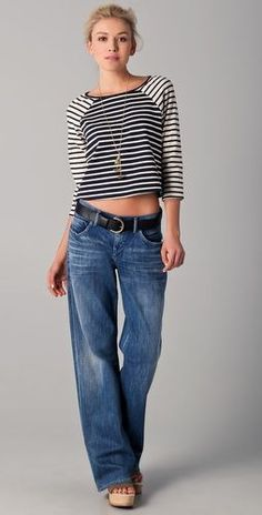 Like this style of jeans. NOT THE BLOUSE