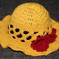 Ich möchte euch meine Anleitung zu meinen Sommerhut vorstellen.  Sonnenhut (ohne Blumen)  handarbeitsfrau.de/attachment.…34c50af13add1cc5e1572db58  Tipp: Je nach Größe des Sonnenhutes werden in den zweiten Teil des Hutes oben und unten eine Reihe…