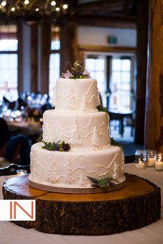 White Mountain Wedding Cake | Cake By: Chef Ned Archibald, @keystonemtn | Photo By: IN Photography @micheledevries | www.keystoneweddings.com | #weddingcake