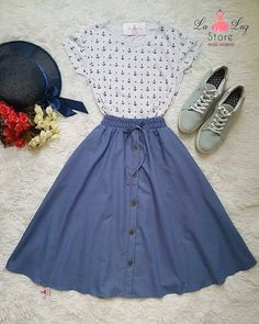 What a super cute outfit l, and it looks comfy too! Cute Fashion, Modest Fashion, Fashion Dresses, Mode Outfits, Skirt Outfits, Pretty Outfits, Pretty Dresses, Vintage Dresses, Vintage Outfits