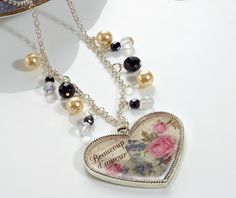 ☮ Vintage imagery is superb for creating on-trend, antique-styled jewellery with resin. ***Reminds me of Betsy Johnsons Rose & Hearts Collection.(My hunky hubby got me her necklace & bracelet 4 Christmas! Ahhh sooo lucky am i!)