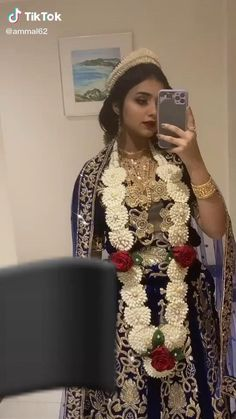Yemen Women, Arab Fashion, Womens Fashion, Arabic Wedding Dresses, Arabian Women, Traditional Clothes, Folk Costume, Saudi Arabia, African Women