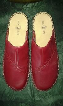 Duck. Head shoes v pretty 4 her she will like it size 91/2 m. Free ship 4 $26.99 new