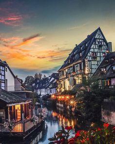Colmar in de Elzas, vlakbij Kayserberg waar Albert Schweitzer vandaan komt, romantische vakwerkhuizen.