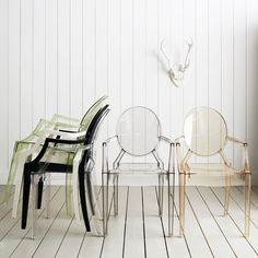 Kartell Louis Ghost Chairs. I have to find one of the clear ones here in USA -so gorgeous!