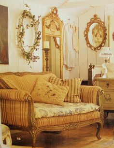 french-settee-toile-sofa-canape-patina-gustavian-decorating-ticking-gilded-mirror-gilt-living-room-home-decor-ideas