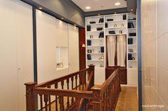 Ecco il corridoio con le scale d'accesso al piano inferiore.. #design