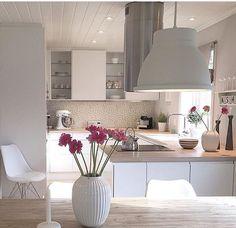 Cozinha limpa: 60 designs e designs incríveis - Küche - Küchen Design, House Design, Design Ideas, Home Interior Design, Interior Decorating, Luxury Interior, Style Deco, Home And Deco, Home Kitchens