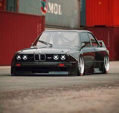 BMW Menciona a tus amig Deja tu Bmw M3 E30, Bmw Love, Porsche Boxster, Bmw Cars, Cars Auto, Ferrari Car, Bmw 3 Series, Modified Cars, Courses