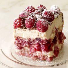 Raspberry Tiramisu Recipe by Judith B - Key Ingredient Raspberry Tiramisu, Raspberry Desserts, Just Desserts, Delicious Desserts, Yummy Food, Raspberry Cheesecake, Raspberry Uses, Raspberry Brownies, Raspberry Cake