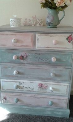 Shabby Chic Furniture In a family room, try to arrange your furniture into centers. Decoupage Furniture, Hand Painted Furniture, Distressed Furniture, Refurbished Furniture, Paint Furniture, Repurposed Furniture, Shabby Chic Furniture, Furniture Projects, Furniture Makeover