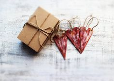 Set of 3 wooden hearts rustic Christmas ornaments Christmas decoration, ruby burgundy red off white gold shabby
