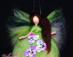 Jahreszeitentisch - ❀ Stiefmütterchen Fee ❀ Märchenwolle Fee - ein Designerstück von annas-wollwesen bei DaWanda