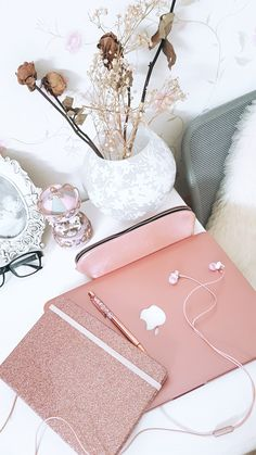 Rose gold rose gold aesthetic, gold everything, pink themes, pink Pink Love, Pretty In Pink, Apple Rose Gold, Telefon Apple, Rose Gold Aesthetic, Lunette Style, Mode Rose, Mode Kawaii, Gold Everything