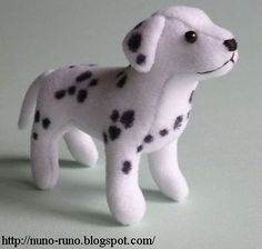 DIY Dalmatian Plushie Softie - FREE Sewing Pattern and Tutorial