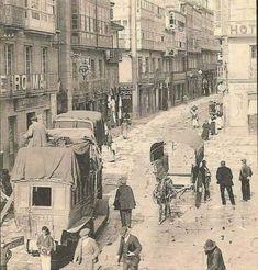 A ferrocarrilana na Rúa Nova na Coruña, facendo esquina co a Calle Real ,levaba os viaxeiros a Santiago de Compostela en sete horas,era todo un servicio completo ! Alicante, Old Pictures, Spain, Poster, Relleno, Painting, Nova, Nostalgia, City