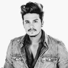 Brazilian singer LUAN SANTANA