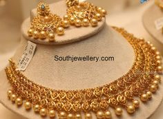 22 carat gold beautiful uncut diamond necklace adorned with small uncuts, rubies, emeralds and south sea pearl drops teamed with uncut chandbali earrings … Gold Earrings Designs, Gold Jewellery Design, Necklace Designs, Gold Designs, Antique Jewellery, Indian Jewelry Sets, India Jewelry, Indian Accessories, Temple Jewellery