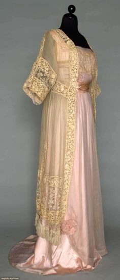 PINK SILK & LACE DINNER GOWN, c. 1912
