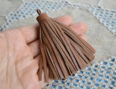 Leather Tassel, Suede Leather, Beach Jewelry, Unique Jewelry, Jewellery Making Materials, Tassels, Charmed, Pendant, Trending Outfits