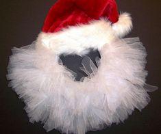 DIY wreath ideas Santa red hat