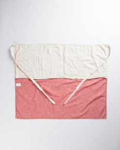 This waist apron is a tight and right option for all kinds of uses. The tough-woven cotton is thick stitched and cut extra long and wide, providing awesome coverage and durability without sacrificing tactile niceties. The long, wide cut of the apron makes it an elegant and easy wraparound, while an extra layer of fabric doubles protection. Two patch pockets keep you prepared, with a pencil stall for your small stuff. Long straps can reach around front or tie simply in the back. The small…