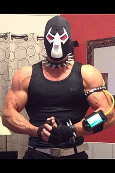 The Official Bane Costume Thread - Part 4 Bane Costume, Bane Cosplay, Robin Costume, Dc Cosplay, Cosplay Costumes, Batman Cosplay, Adult Costumes, Clever Couples Halloween Costumes, Halloween Drinks