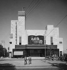دار سينما الحمراء، حيفا، فلسطين ١٩٣٧ Al-Hambra cinema hall, Haifa, Palestine 1937 Al-Hambra sala de cine, Haifa, Palestina 1937