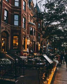 Newbury Street in Boston City Aesthetic, Travel Aesthetic, Newbury Street Boston, City Vibe, New York Christmas, 3d Home, Autumn Cozy, Dream City, City Photography