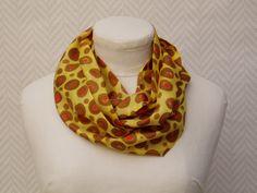 Echarpe, snood, foulard en pongée de soie jaune moutarde, marron rouge  peint main