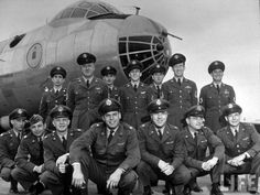 B-36 Bomber of Strategic Air Command's Carswell Air Force Base, 1951 » SAC's B-36 bomber crew headed by aircraft commander Major Julian Upton (squatting-C) incl. his 13 crewmen consisting of 2 co-pilots, 2 navigators, engineer, 2 radio operators & a scanner, at Carswell Air Force Base