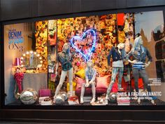 Selfridges - London #vitrine #vm #visualmerchandising #window #windowdisplay #retail #varejo #retaildesign #selfridges #london #londres
