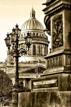 Beautiful Saint Petersburg, Russia!  #stpetersburg #russia www.st-petersburg.com  Photo by Pavel Makarov