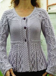 "Debbie Bliss' ""Silver Belle"" from Vogue Knitting magazine Knitting Designs, Knitting Patterns Free, Knit Patterns, Free Knitting, Free Pattern, Pretty Patterns, Vintage Knitting, Vintage Crochet, Knitting Needles"