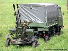 ZU 23-2, Kaliber 2 x 23 mm, als Zugfahrzeug Robur LO 2002. #robur