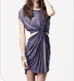 No Sew Dress from a T-shirt – DIY~ cute even without bleaching it, probably can find a similar color without the extra work