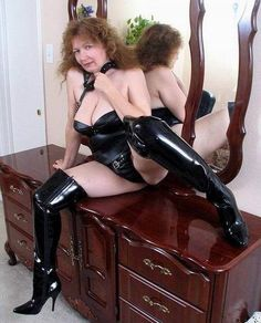 Facebook Old Mature, Fetish Fashion, Sexy Older Women, Voluptuous Women, Cool Boots, Real Women, Crossdressers, Kinky, Latex