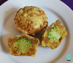Receta de Muffins salados de brócoli #RecetasGratis #RecetasdeCocina #RecetasFáciles #RecetasparaNiños #ComidaDivertidaparaNiños #CocinaCreativa #Brócoli #Muffins