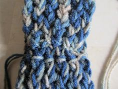 How to connect one end to another - for making a headband or a cowl.  I've been searching for this!! Picture Tutorial