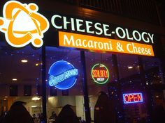 Cheese-ology in St. Louis -- If you can do it to Mac & Cheese, they do it . . . and I like it!