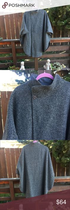 Tweed Cape Gorgeous vintage tweed cape, fully lined. The is no size or tag noted in the cape but it should comfortably fit a wide range of sizes, from Large to 2X Jackets & Coats Capes