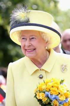 Queen Elizabeth II Photos: Queen Elizabeth II Visits Berlin