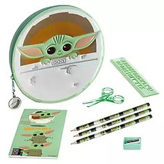 Star Wars Party Games, Yoda Drawing, Yoda Images, Cuadros Star Wars, Baby Yoga, Computer Backpack, Star Wars Baby, Baby Alive, School Supplies